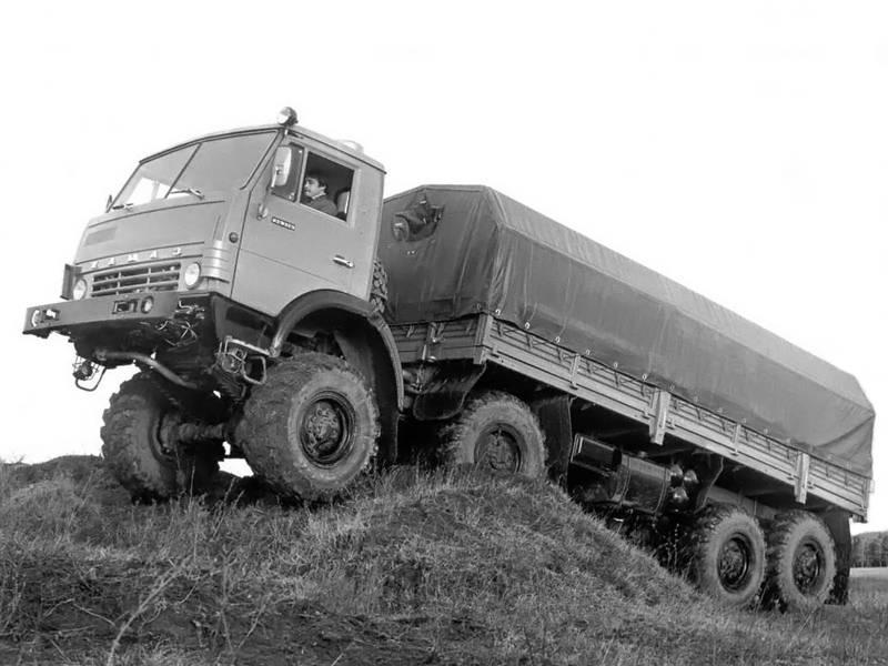 KamAZ6x6。 ソビエト自動車産業の最後の英雄