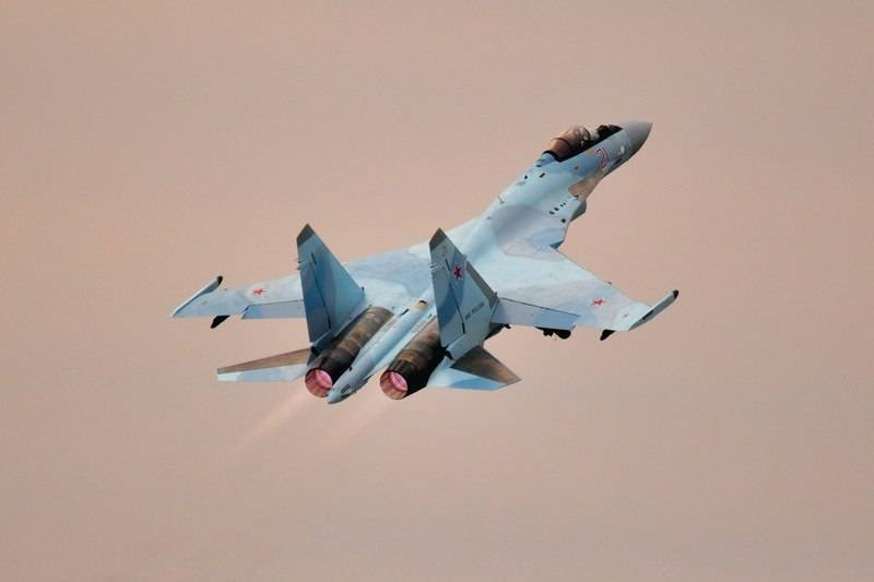 The Ministry of Defense received the last three Su-35S fighters under the 2015 contract
