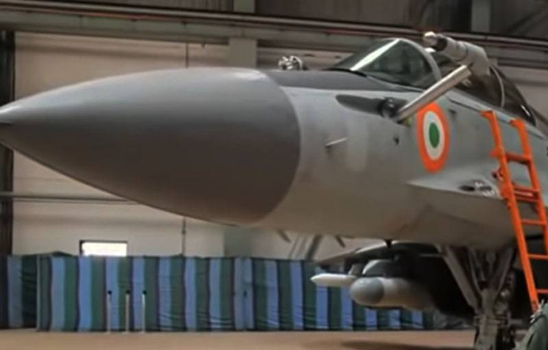 Indian Navy carrier-based fighter MiG-29K crashed into the Arabian Sea