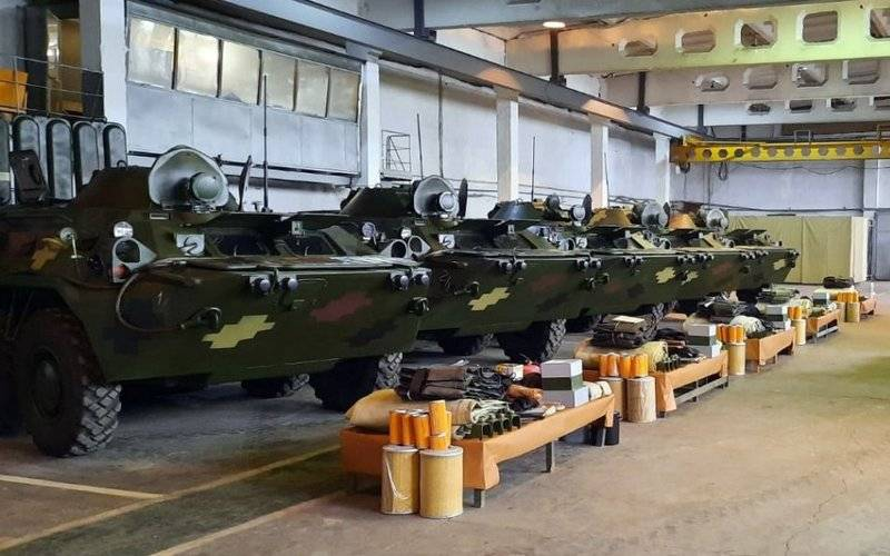 Ukrainian Armed Forces received a batch of restored armored personnel carriers BTR-80