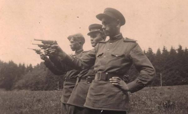 Utilisation de pistolets allemands capturés en URSS