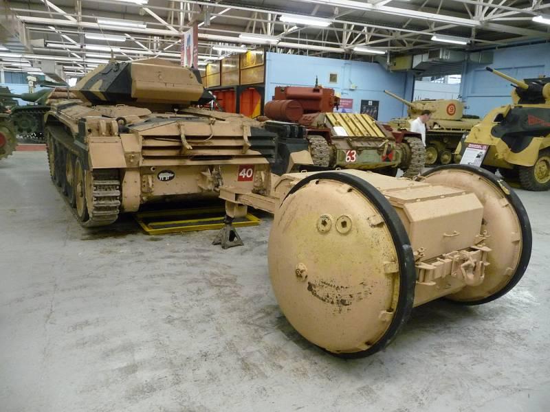 Танковый прицеп Rotatrailer (Великобритания)