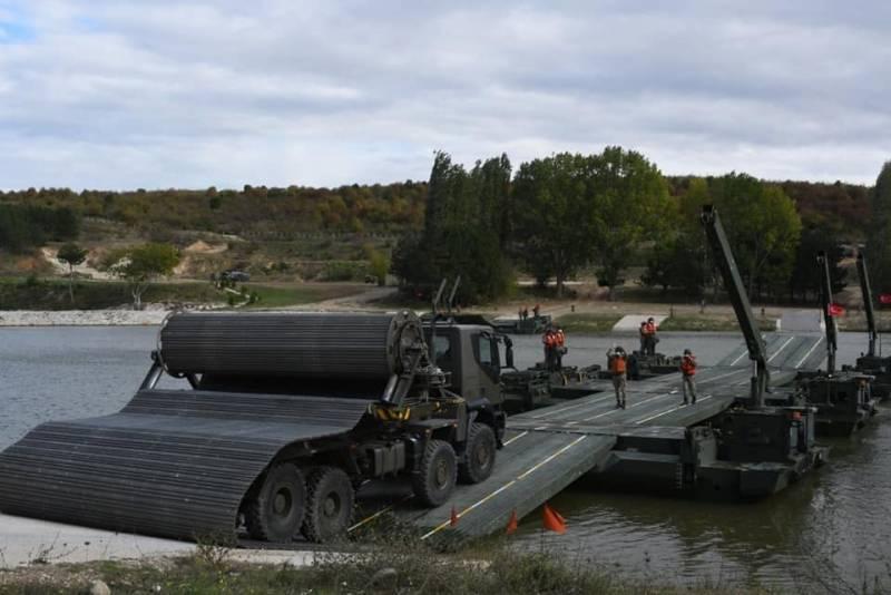 Сложности логистики: в Минобороны Турции обнаружились проблемы с маршрутом переброски военных в Карабах