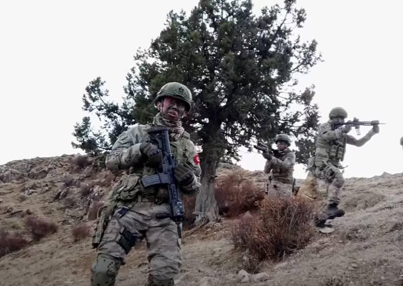 Новая колонна турецких войск вошла в сирийскую провинцию Идлиб