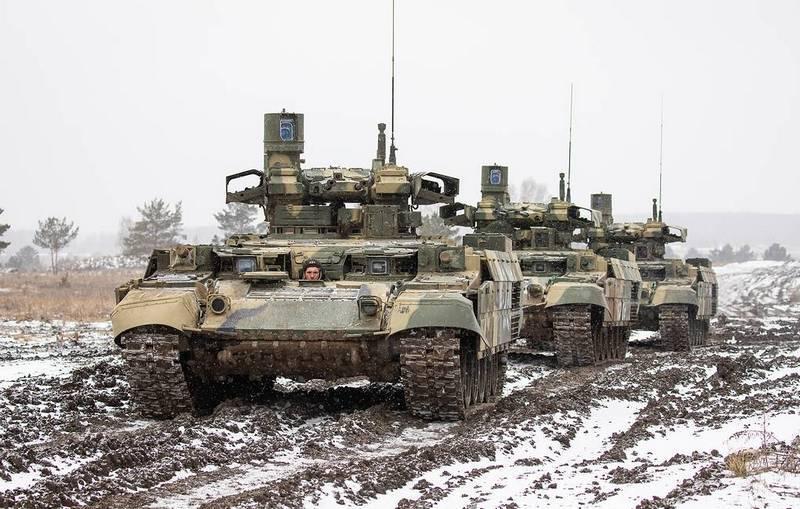 "BMPT ""터미네이터""의 첫 번째 배치가 시험 작전을 위해 군대에 들어갔습니다."