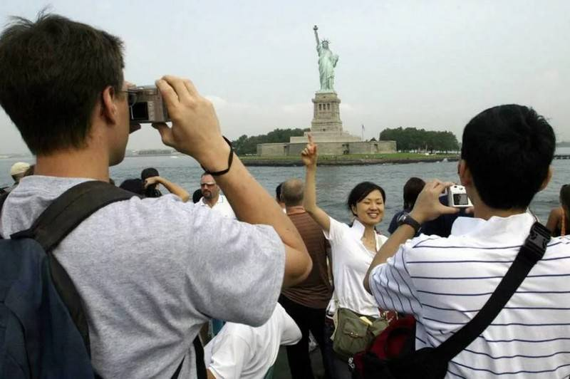 US tightens rules for obtaining tourist visas for Chinese communists