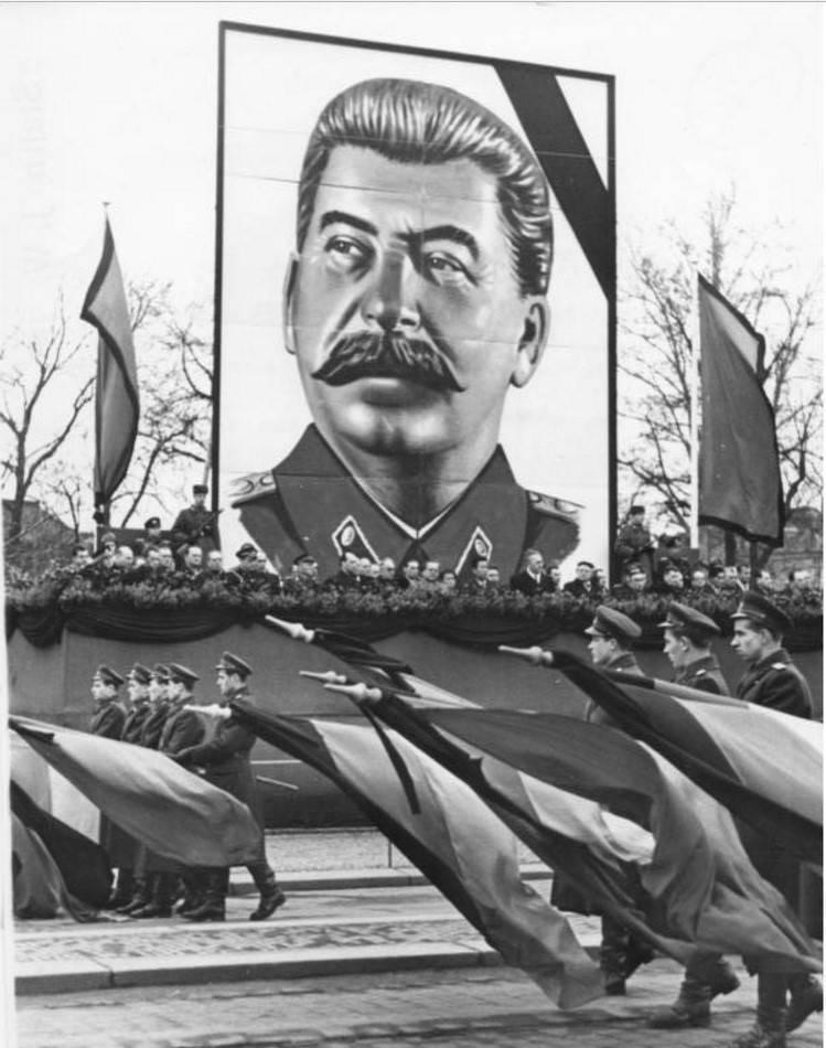 Особое приглашение на похороны Сталина