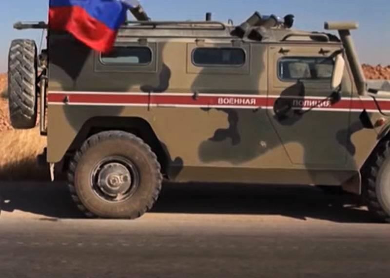 """叙利亚媒体:俄罗斯装甲车""""虎""""和""""台风""""专栏在Mi-35的掩护下进入艾因伊萨"""