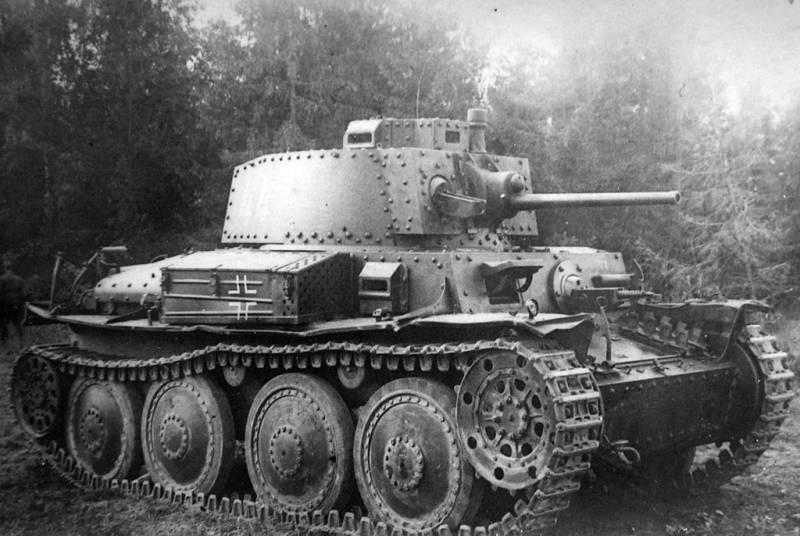 С пулемётом против танка. Советские инженеры о немецкой броне 1942 года