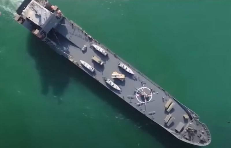 Die iranische Marine begann mit Raketenschüssen in den Gewässern nahe der Straße von Hormuz