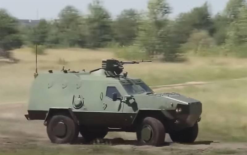 "Lviv 공장은 장갑차 ""Dozor-B""수출 계약 체결을 발표했습니다."