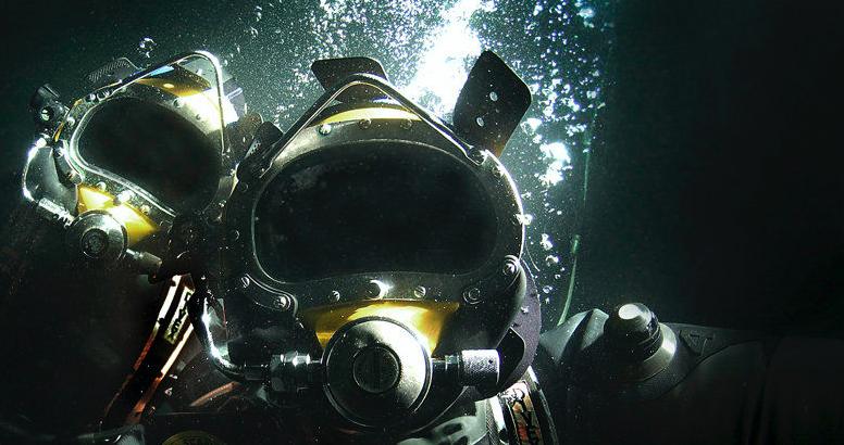 人々が海の底でどのように生きているか