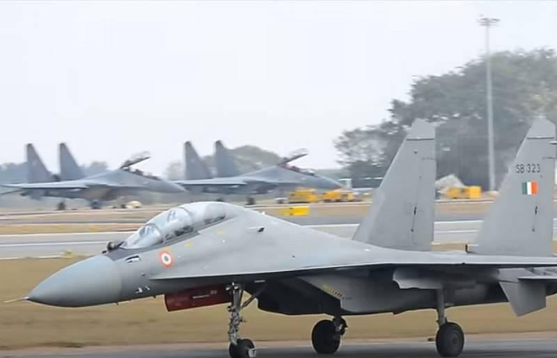 L'India conferma l'acquisto di caccia russi MiG-29 e Su-30MKI