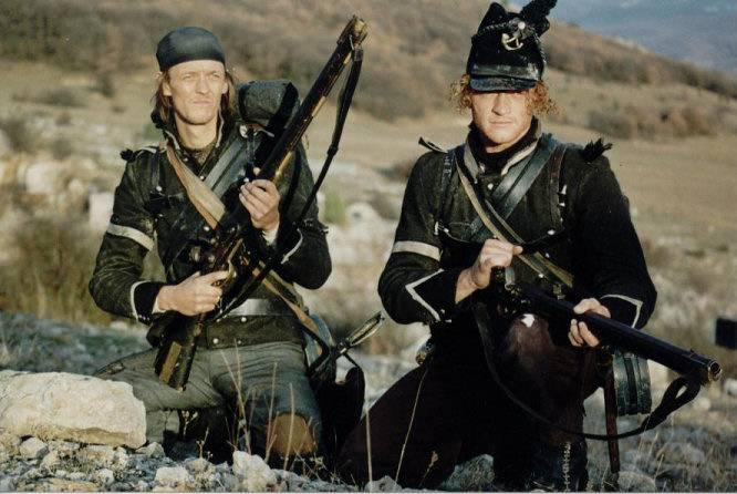 Bayonets-daggers versus bayonets on bushings