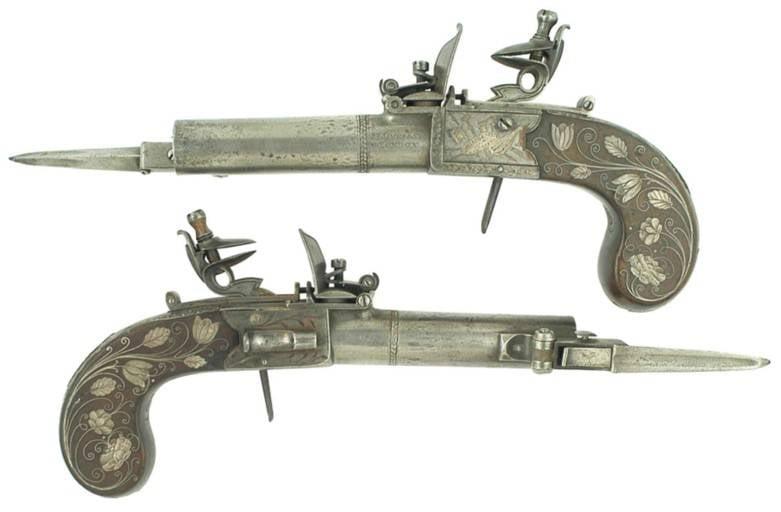 Pistolen ... mit Bajonetten