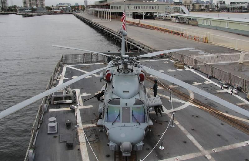 Fim da vida útil: a Marinha dos EUA está procurando por substitutos para seus helicópteros de convés e UAVs