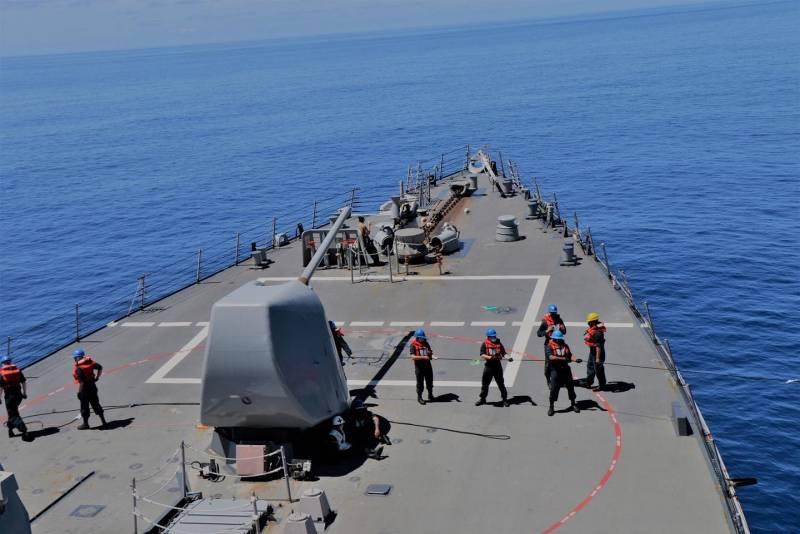 В Китае комментируют появление двух эсминцев ВМС США с ракетами «Томагавк» в Тайваньском проливе