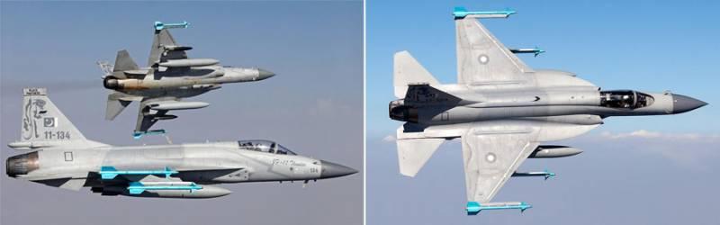 Азербайджан получава първият от общо 21  JF-17 пакистано-китайски изтребители