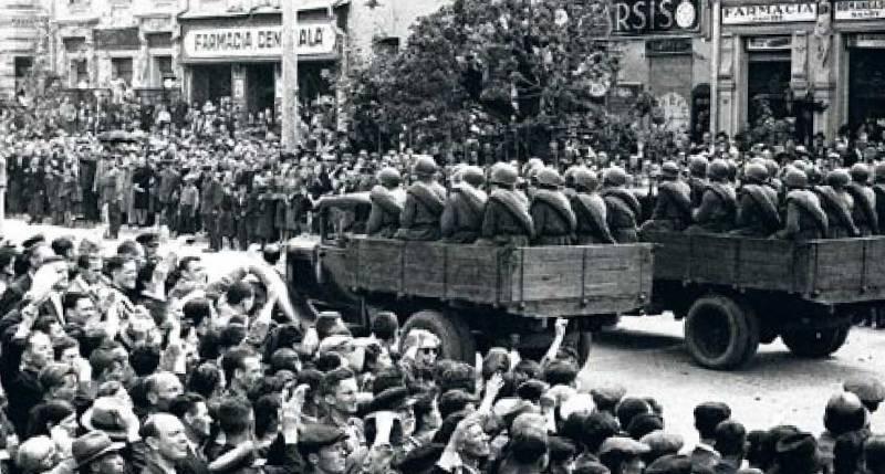 Румыны шумною толпою по Бессарабии бегут