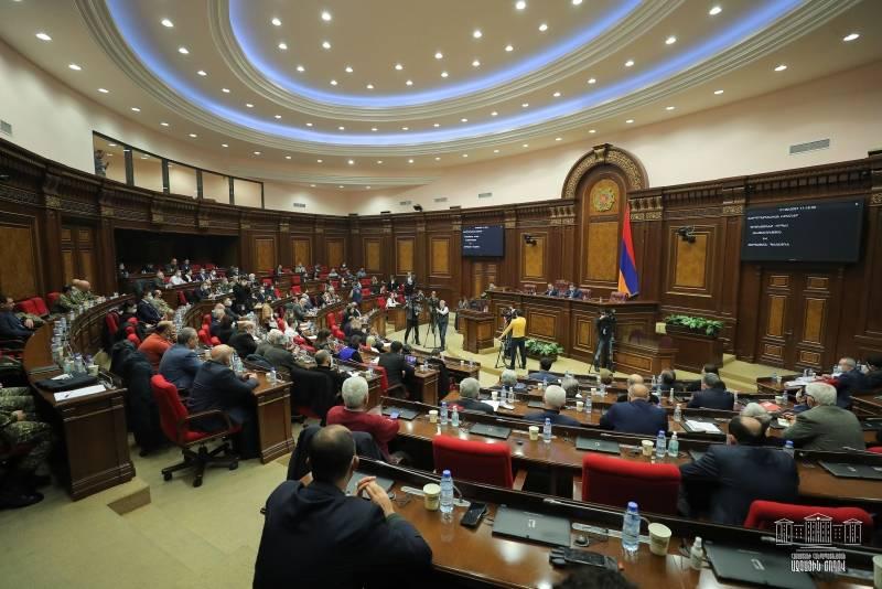 """""""Não queremos revanchismo"""": autoridades armênias se opõem a uma nova guerra com o Azerbaijão"""
