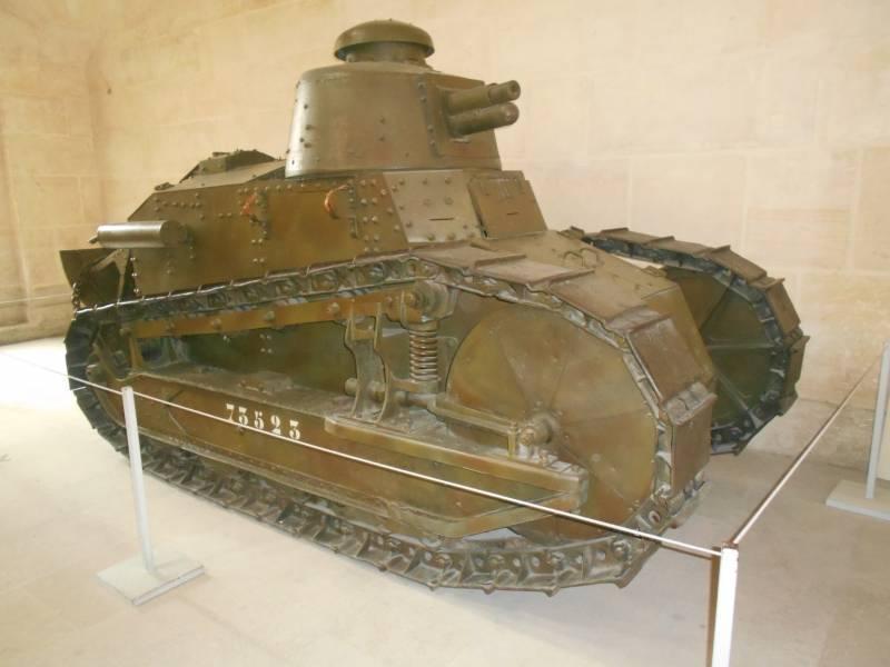 Renault FT-17 탱크에 대해 다시 한 번 ...