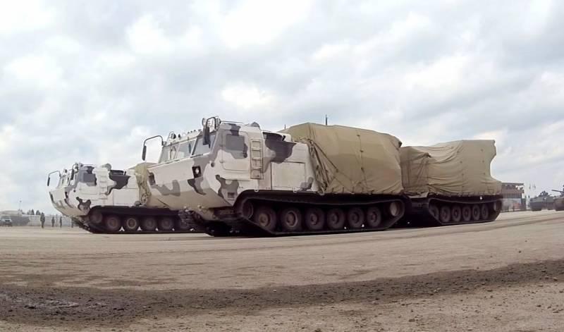 """आर्कटिक डिवीजनों को चेसिस DT-30PM पर एक MLRS """"टॉरनेडो-जी"""" प्राप्त होगा"""