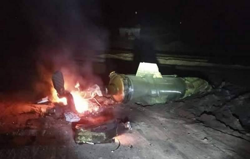 터키의 석유 기둥의 공격을 받고 있습니다. 시리아에서 장비가 타는 장면이 표시됩니다.