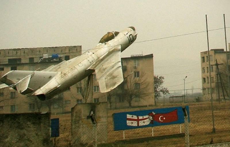 Грузия восстановит разбомбленный Россией аэродром на турецкие деньги