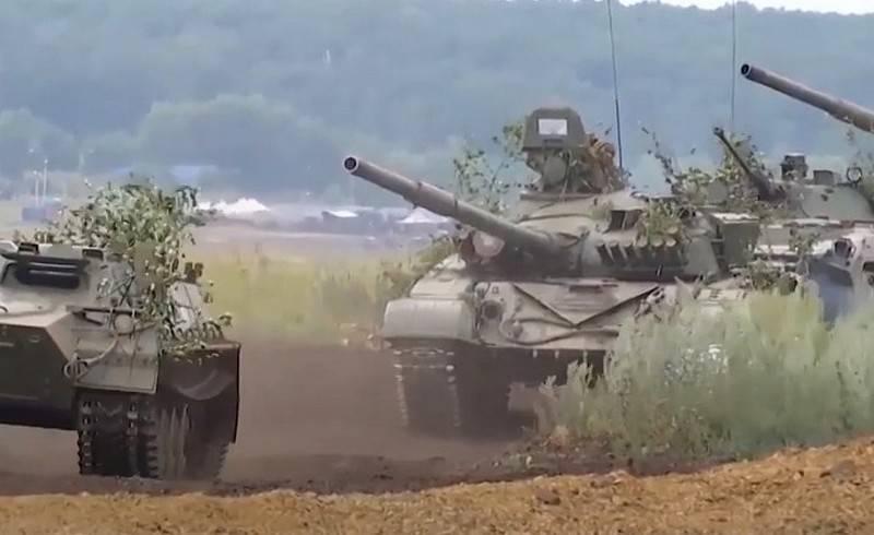 रूस में और कहाँ पहली श्रृंखला के टैंक सेवा करते हैं? T-72A और T-72AV