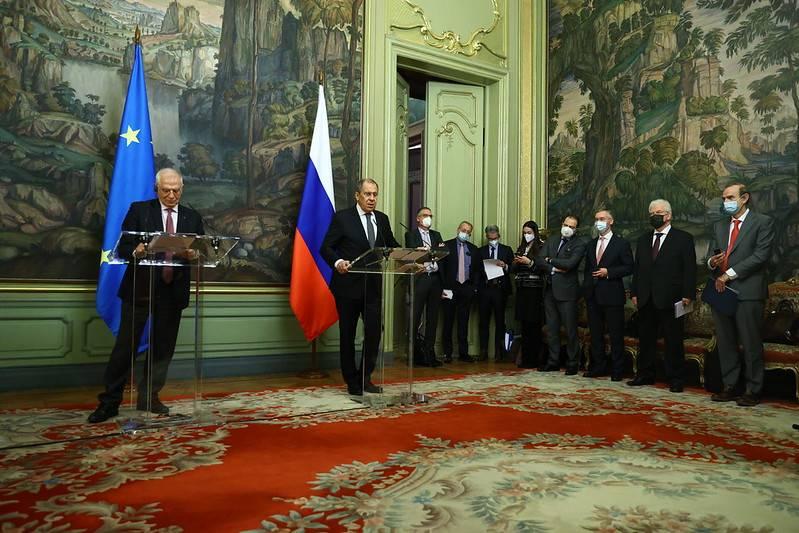 Пресса Швейцарии: Иллюзии загоняют Россию в международную изоляцию