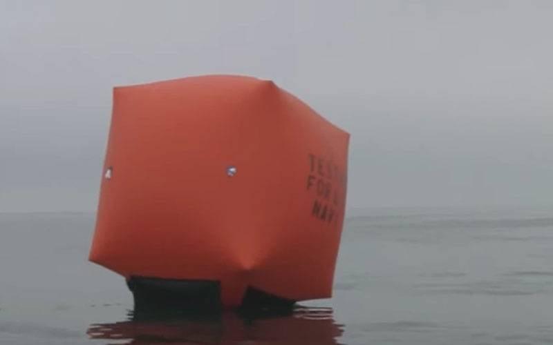 装上充气艇后,乌克兰海军想获得美国的充气目标