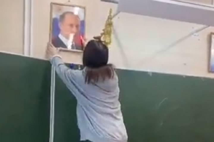 「私はプーチンの下にいます...」