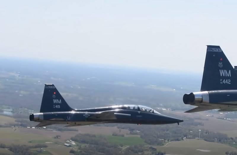 Le trainer Northrop T-38 Talon s'est écrasé aux États-Unis