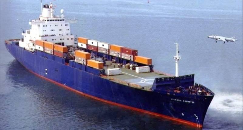 https://topwar.ru/uploads/posts/2021-02/thumbs/1613424059_atlantic-conveyor-sea-harrier-trials-1.jpg