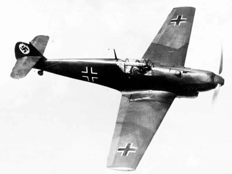 Боевые самолеты. «Хейнкель», сбитый «Мессершмиттом»