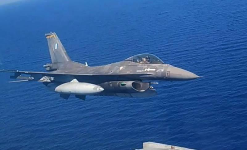 «Осуществили отстрел средств радиолокационного противодействия»: Турция публикует подробности «имитации атаки» ВВС Греции на турецкое судно