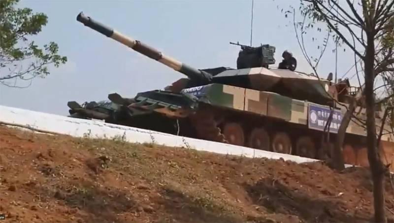 В индийском репортаже танк Arjun Mk-1A назван «одним из самых продвинутых танков современности»