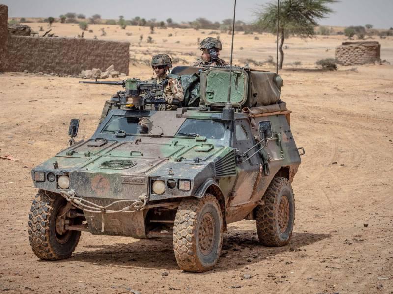 Сверхкомпактный бронеавтомобиль для Ми-8