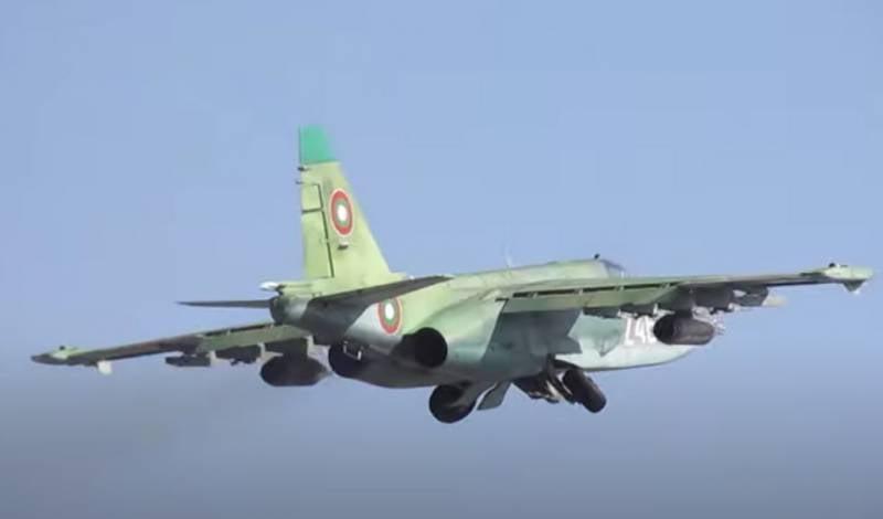 «После ремонта Су-25 соответствуют стандартам НАТО»: Министр обороны Болгарии сел за штурвал штурмовика