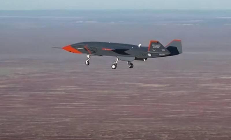 L'ailier sans pilote de Boeing, Loyal Wingman, décolle
