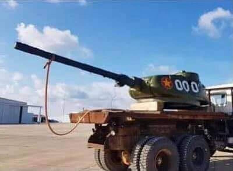 """""""Adequado para combater navios inimigos"""": o uso de tanques T-34-85 no Vietnã"""