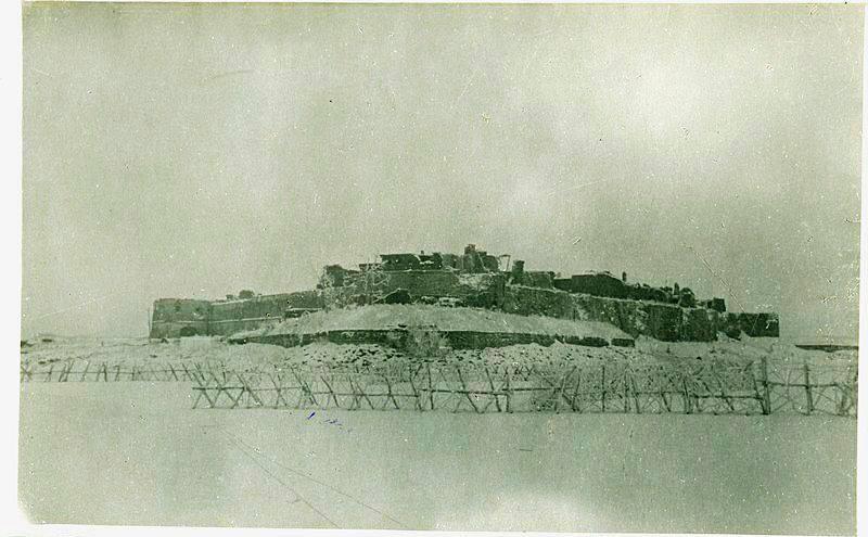 オレシェク要塞。 500日間の防御