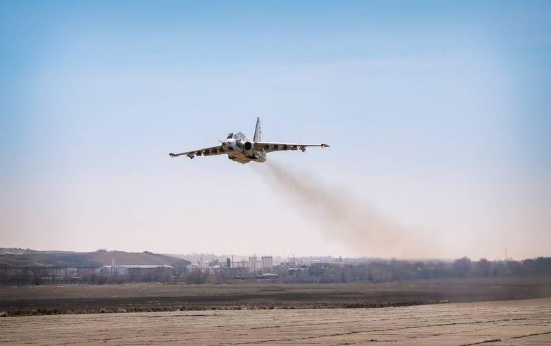 최초의 복원 된 Su-25 공격기가 조지아에서 이륙했습니다.