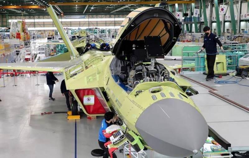 KAI de Corea del Sur anunció el lanzamiento del primer prototipo de vuelo del caza KF-X