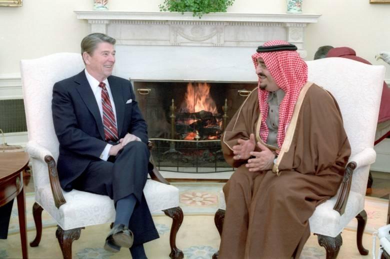 """Aliança dos Sauditas Wahhabis e do """"shaitan"""" americano contra a URSS"""