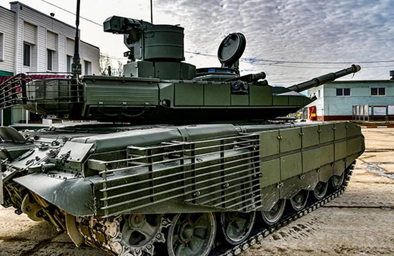"""新一批现代化的T-90M""""突破型""""战车与ZVO一起投入使用"""