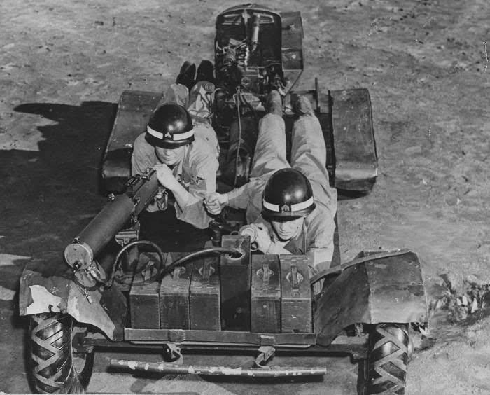 Veículo de reconhecimento Howie Machine Gun Carrier. Vítima de simplificações