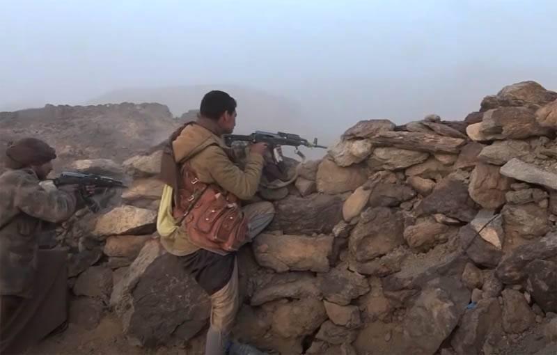 国連の特使は、イエメンの油田に出た後のフーシの行動を非難しました