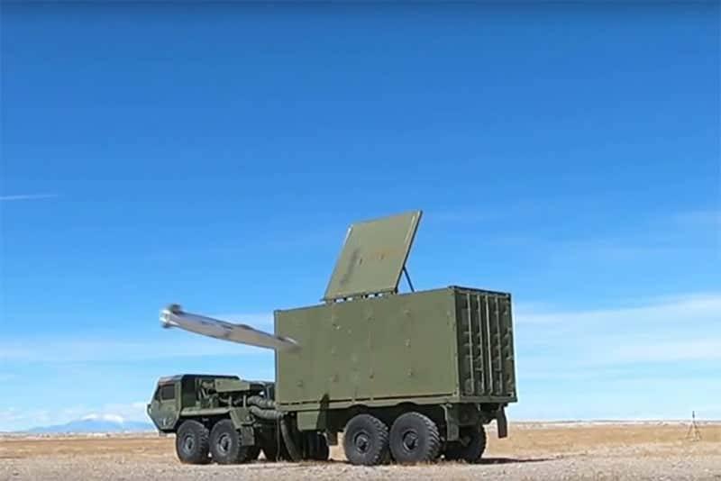 미국인들은 미사일의 정확성에 대해 설득력있게 자랑했습니다.