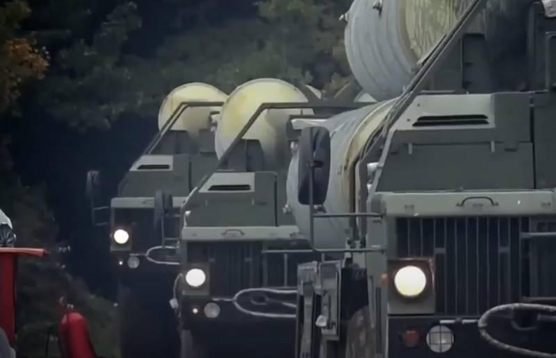Il ministero della Difesa sta valutando la questione del dispiegamento di un nuovo sistema antiaereo S-500